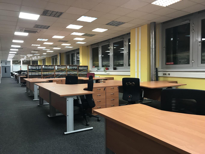 Zostava kancelárskych ERGO stolov Svenbox Vik 160