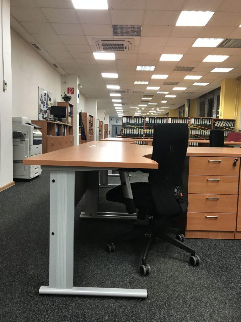 Kancelársky ERGO stôl Svenbox Vik 160
