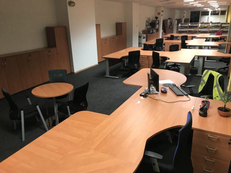 Zostava kancelárskych stolov Vik 160